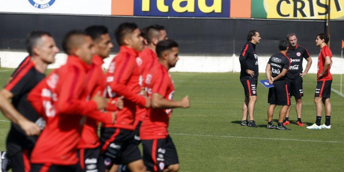 Juan Antonio Pizzi tuvo su primera práctica en la Roja y recibió la visita de Salah
