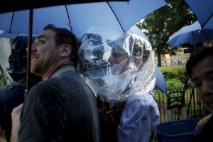 8. La prensa hizo hasta lo imposible por no perder detalle alguno Foto:Getty Images. Imagen Por: