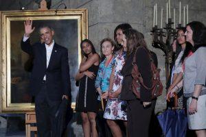 A su llegada el mandatario visitó la Habana Vieja Foto:Getty Images. Imagen Por: