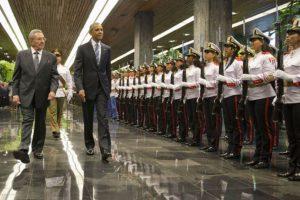 El líder cubano, Raúl Castro, lo recibió en el Palacio de la Revolución. Foto:AP. Imagen Por: