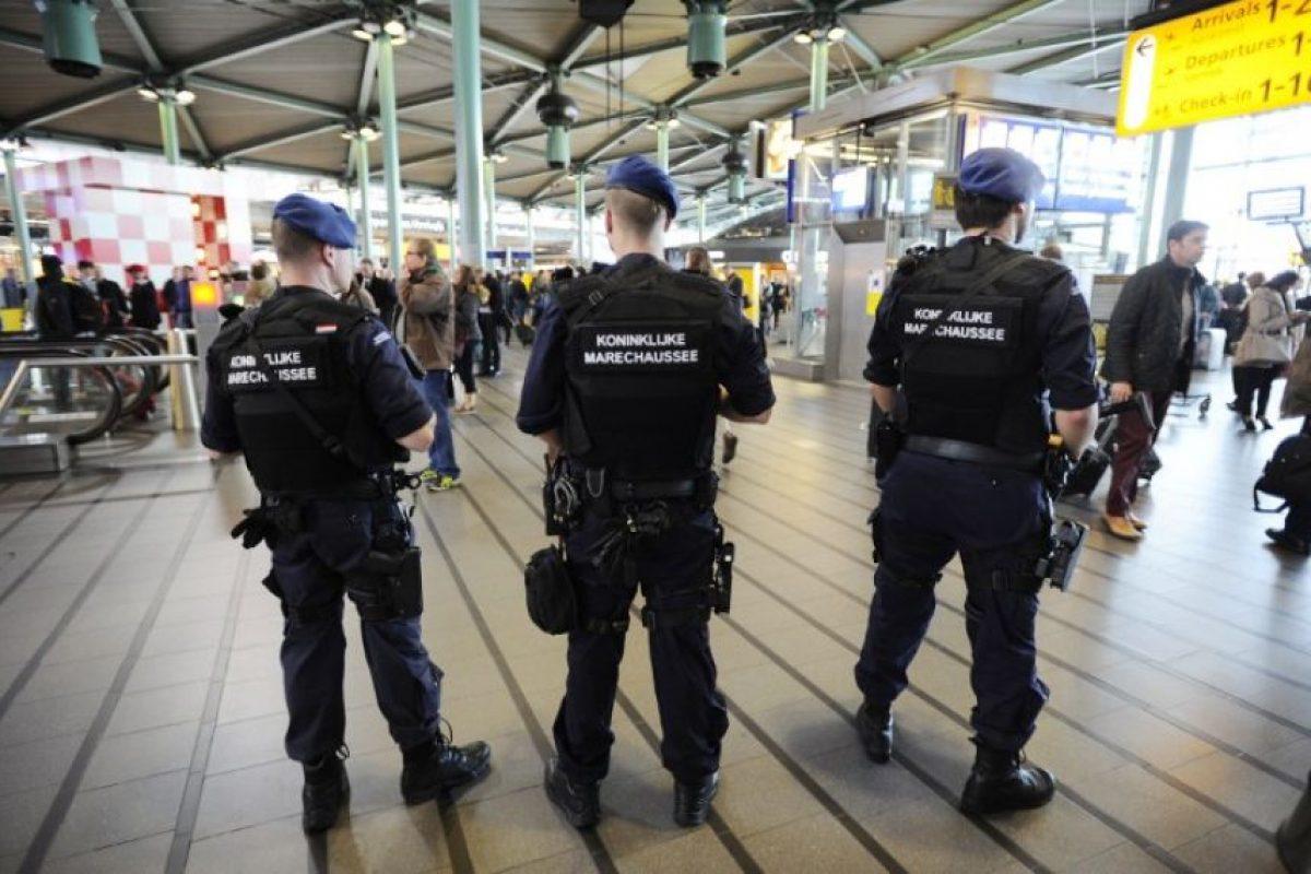Dos ataques distintos en la región de Bruselas han causado al menos una treintena de muertos y más de 100 heridos. Foto:AFP. Imagen Por: