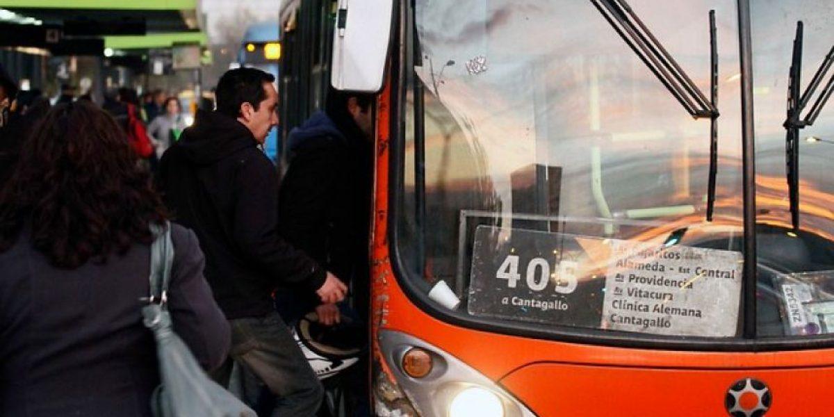 Anuncian medidas especiales en transporte público por partido Chile-Argentina