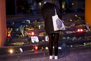 Conforme pasaba el día, más ofrendas aparecían. Foto:AP. Imagen Por:
