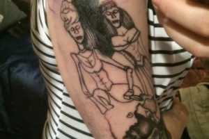 Este es el tatuaje por el que Sarah Blackley salió muy molesta de un estudio de tatuajes. Foto:Facebook/Sarah Blackley. Imagen Por: