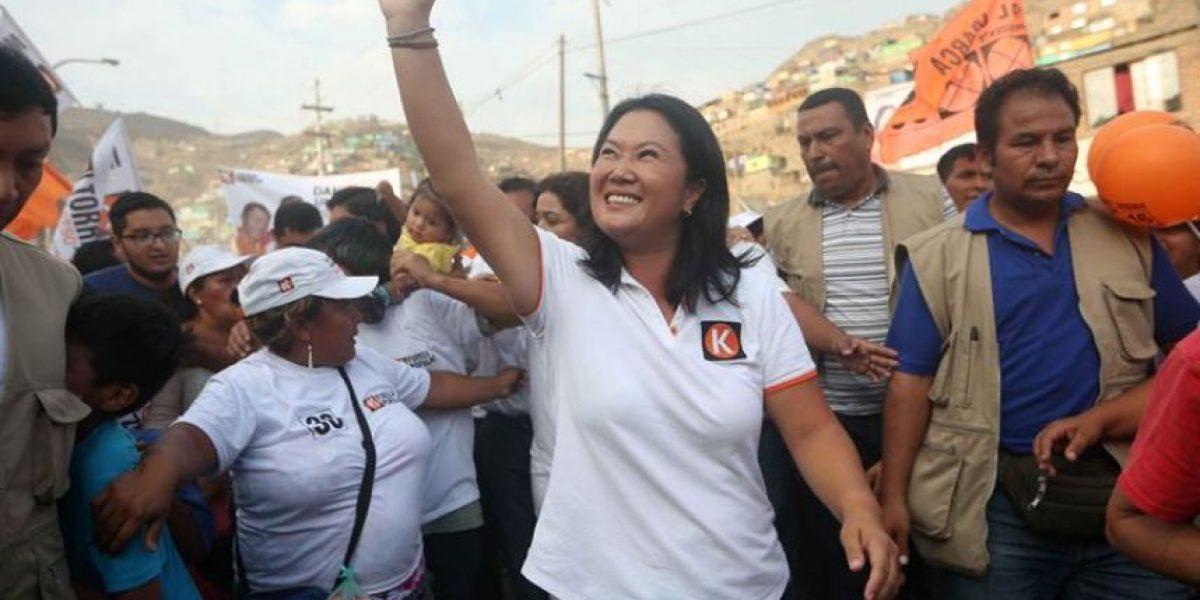 Keiko Fujimori se mantiene en la carrera electoral presidencial en Perú