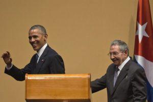 Tras una reunión en privado, los mandatarios ofrecieron una conferencia de prensa. Foto:AP. Imagen Por: