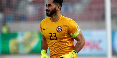 La primera vez de Johnny Herrera: ante Venezuela será su debut oficial con la Roja