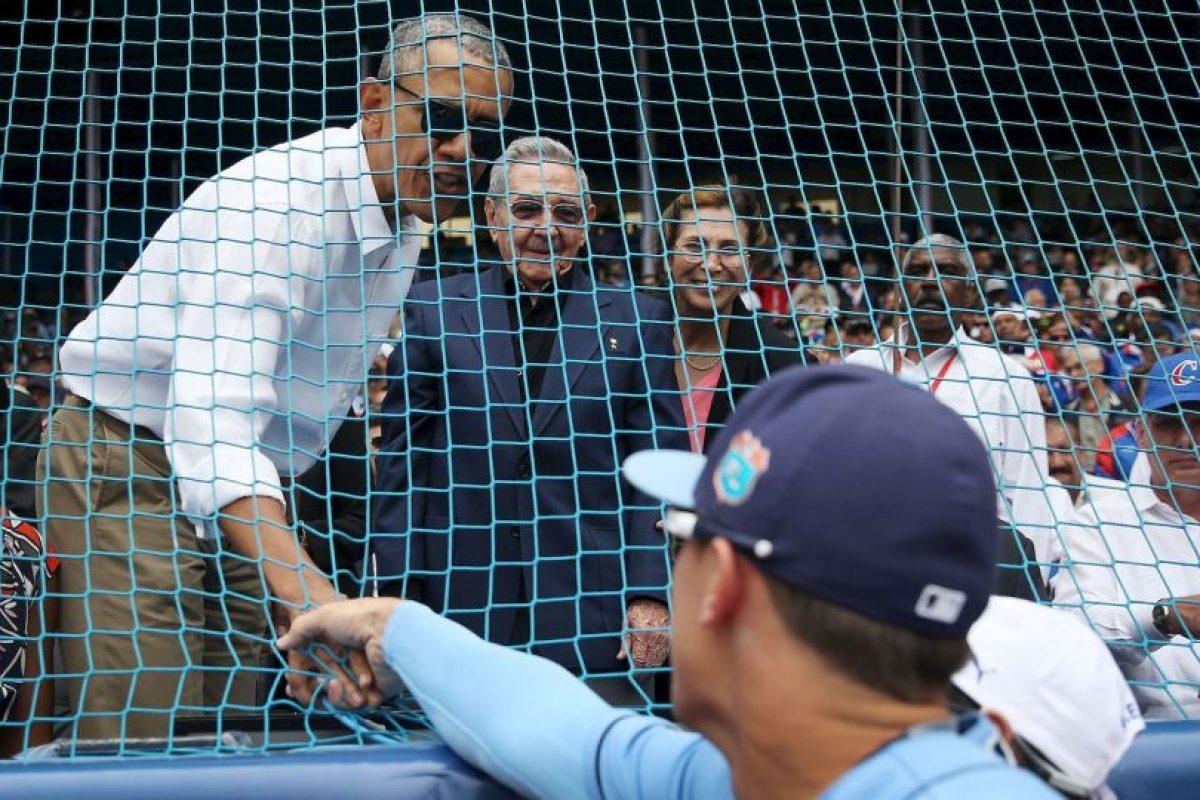 Antes de partir de Cuba, el martes 22 de marzo Obama acudió a un juego de béisbol junto a su familia. Foto:Getty Images. Imagen Por: