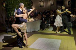 """A la """"aventura"""" también se unieron Michelle Obama y José Lagunes Foto:AP. Imagen Por:"""