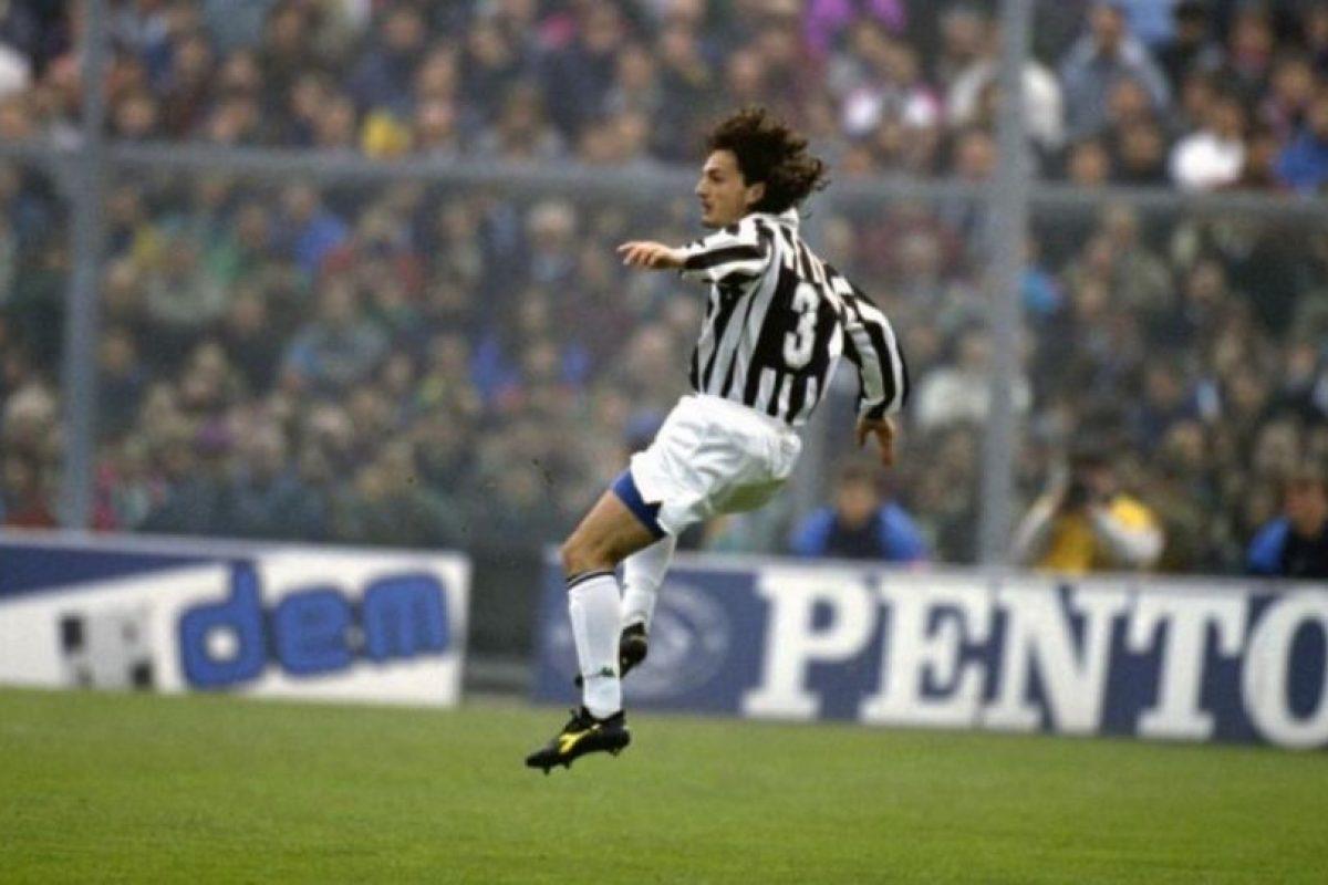 Jugó para la Juventus y en 1995 murió a los 23 años a causa de una leucemia que no pudo superar. Foto:Getty Images. Imagen Por: