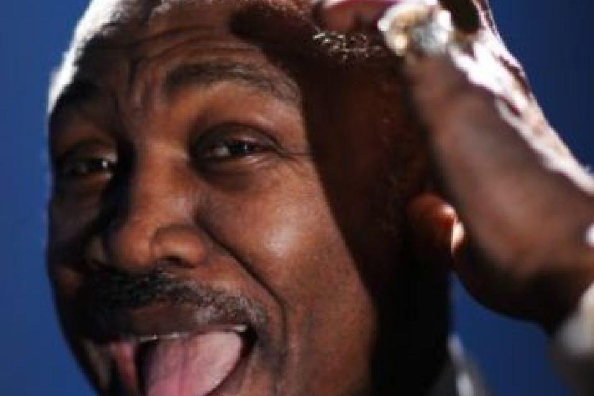 """El boxeador estadounidense que se hizo mito por ser el primero en vencer a Muhammad Ali en el llamado """"Combate del Siglo"""", murió a los 67 años a causa de un cáncer de hígado, pocas semanas después de que este mal le fuera detectado Foto:Getty Images. Imagen Por:"""