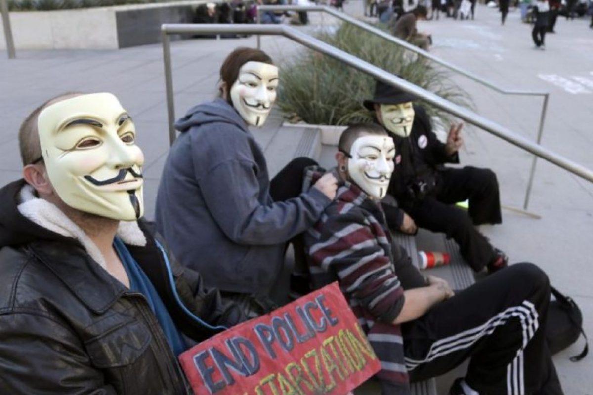 Anonymous no posee una jerarquía determinada y tiene miembros en todo el mundo. Foto:AP. Imagen Por: