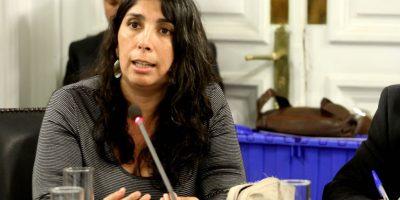 Trasladan de clínica a diputada Karla Rubilar tras sufrir una descompensación
