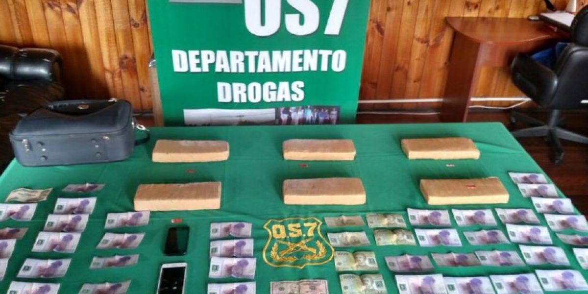 Carabineros del OS7 detuvo a dos ciudadanos bolivianos con 100 mil dosis de marihuana