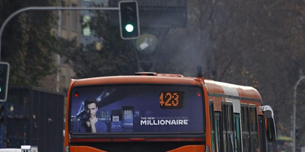 Bus del Transantiago protagonizó accidente de tránsito en Santiago Centro