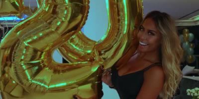 La hermana de Neymar seduce en las redes con sugerentes selfies