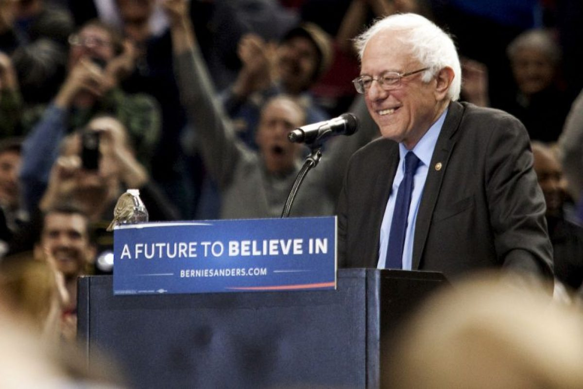 Y reduce la desventaja que tiene con Hillary Clinton Foto:Getty Images. Imagen Por: