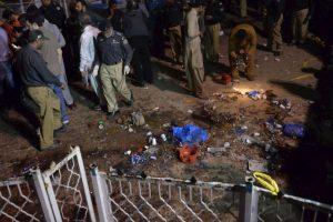 Cuando una persona detonó bombas cerca de los columpios. Foto:AFP. Imagen Por: