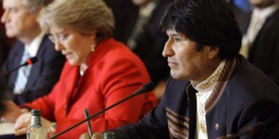 Duro cruce de palabras entre Bachelet y Evo Morales por Silala desata debate tuitero