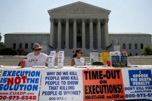 Misma que distintas empresas señalaron de discriminatoria hacia la comunidad LGBT. Foto:Getty Images. Imagen Por:
