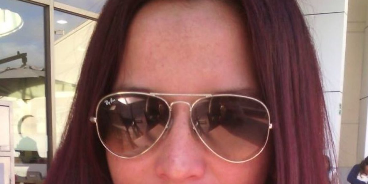 Tras encontrar su expediente vacío, mujer busca a familia biológica a través de Facebook