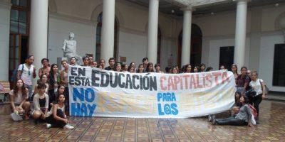 Carrera de Danza de U. de Chile se encuentra en paro por falta de sala de clases