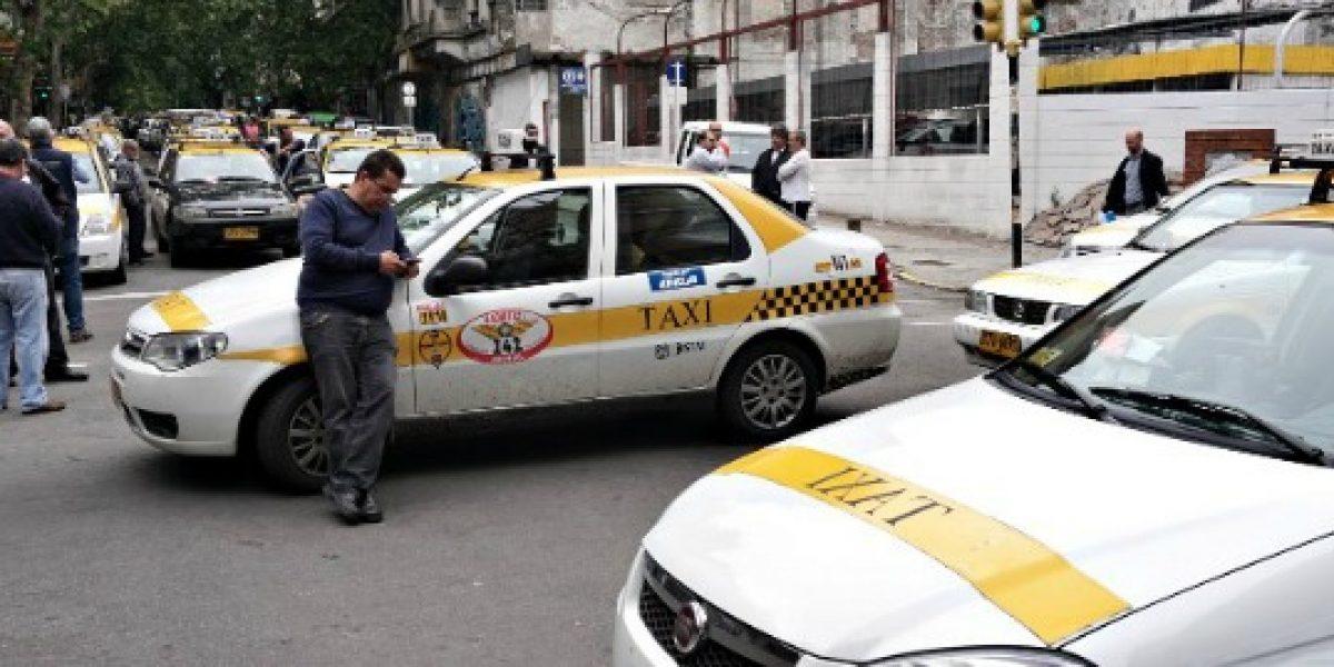 En Uruguay ya no se pagará el taxi con dinero en efectivo