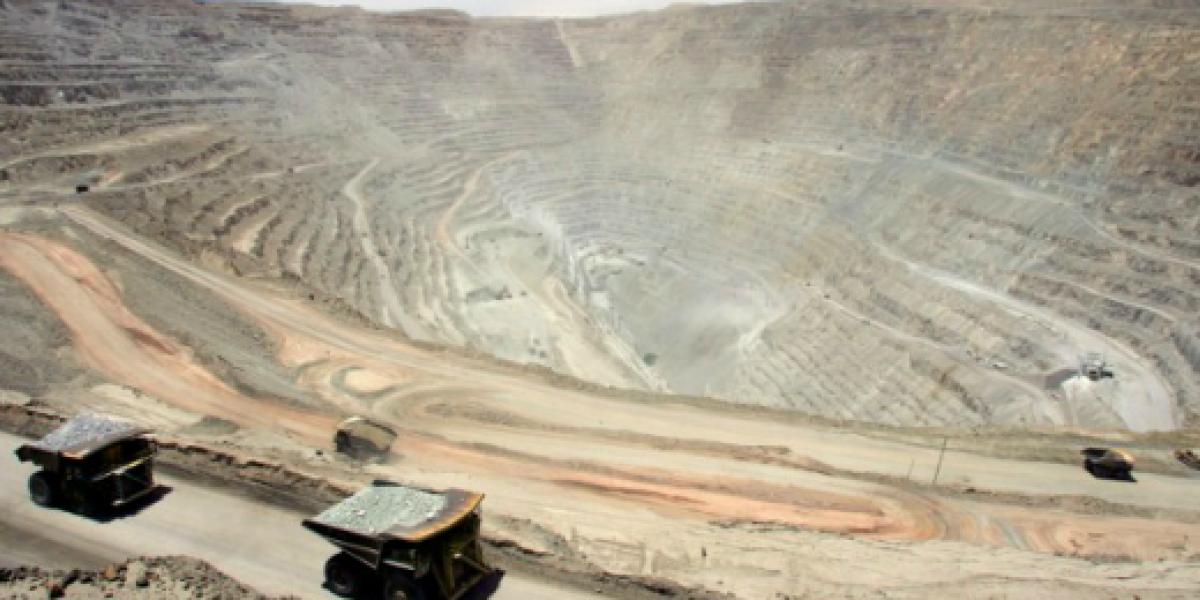 Comisión de Minería citará a presidente de Codelco por pérdidas durante 2015