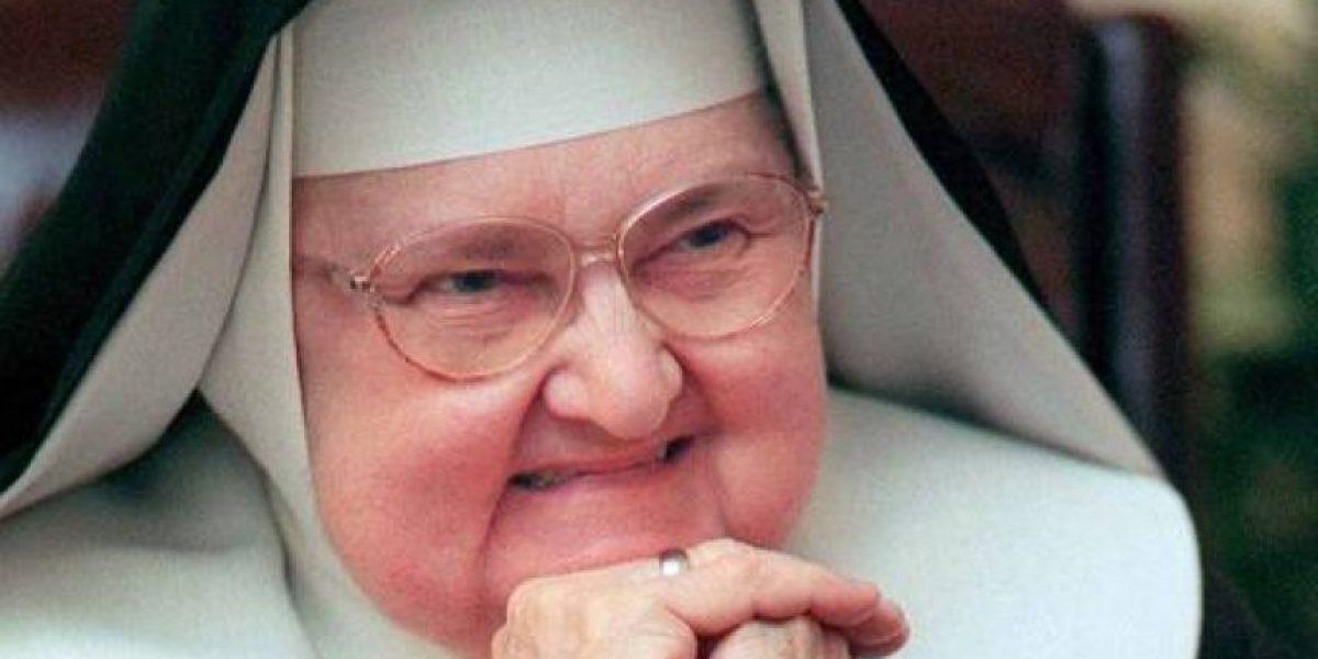 Muere la madre Mary Angélica, creadora de un emporio de medios católicos