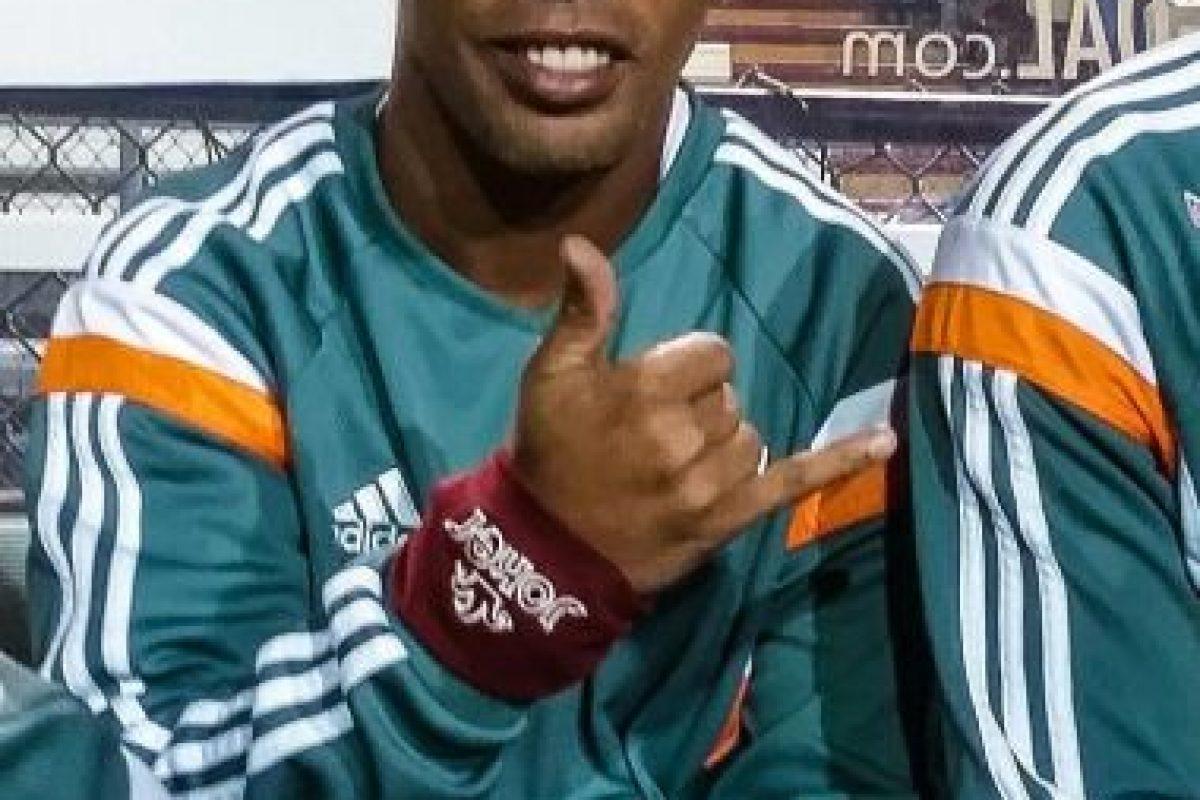 Ha jugado en equipos de Brasil, Francia, España, Italia y México Foto:Vía instagram.com/ronaldinhooficial. Imagen Por: