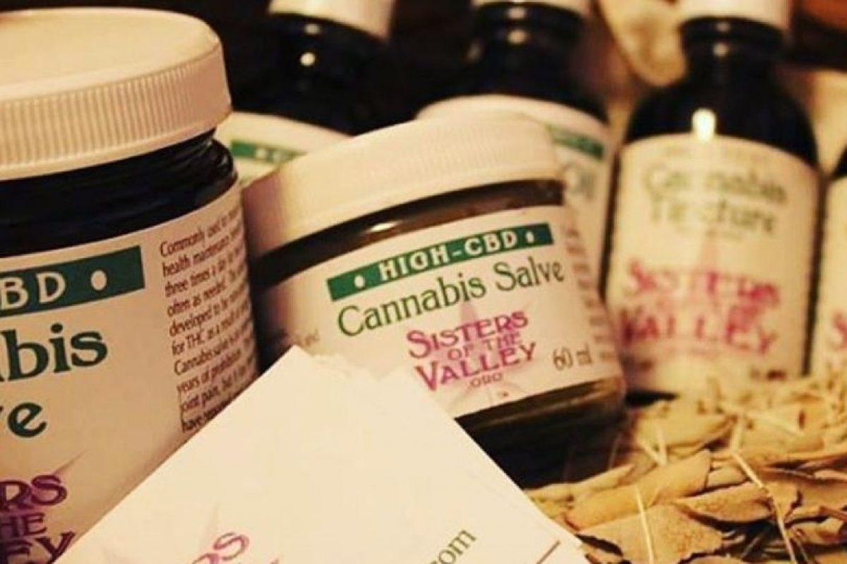 Cada uno de sus productos va acompañado de una oración. Foto:instagram.com/sistersofthevalley/. Imagen Por: