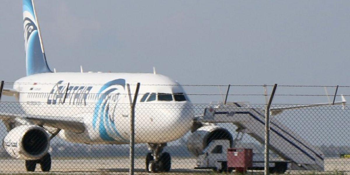 Secuestran avión de aerolínea egipcia y es obligado a aterrizar en Chipre