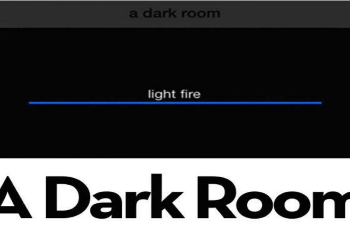 1.- Dark Room. Están en una fría y oscura habitación. Encienden la chimenea, salen por más madera y… descúbranlo. Foto:Dark Room. Imagen Por: