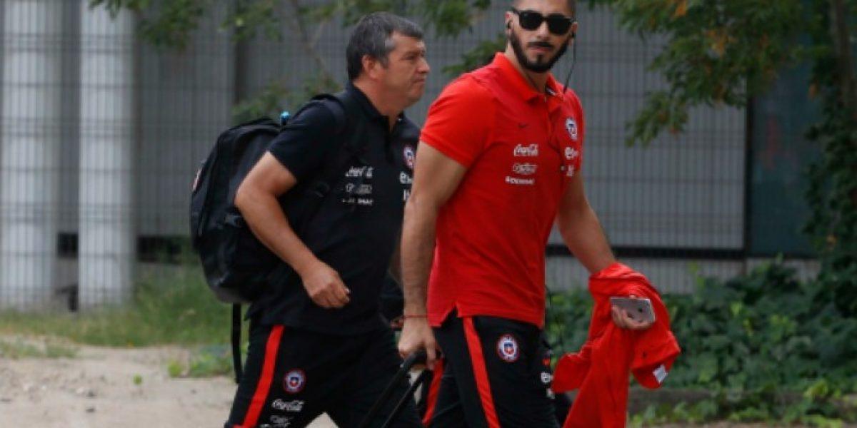 Miguel Pinto le pone las fichas a Johnny Herrera :