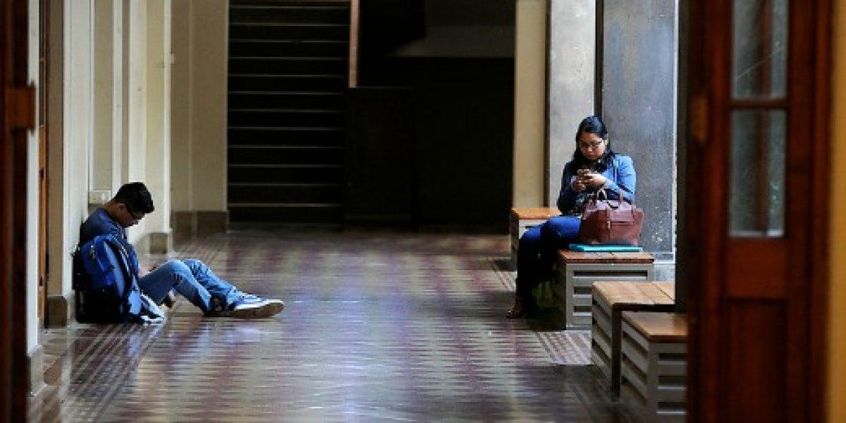 Sernac presenta demanda colectiva contra cuatro universidades por cláusulas abusivas