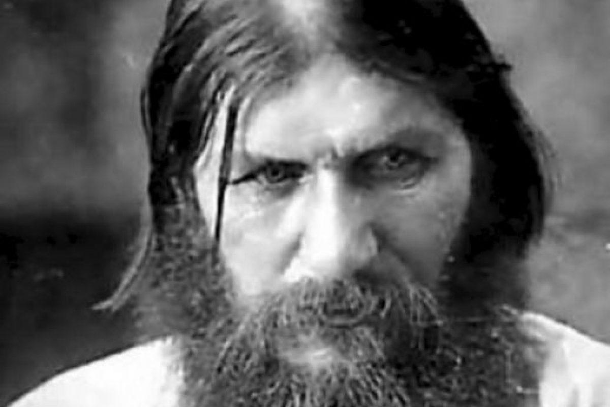 10. Rasputín: les advirtió a los Romanov que si la nobleza rusa llegaba a matarlo, ellos no vivirían dos años. Y efectivamente, la familia real fue asesinada en 1918. Foto:vía Wikipedia. Imagen Por:
