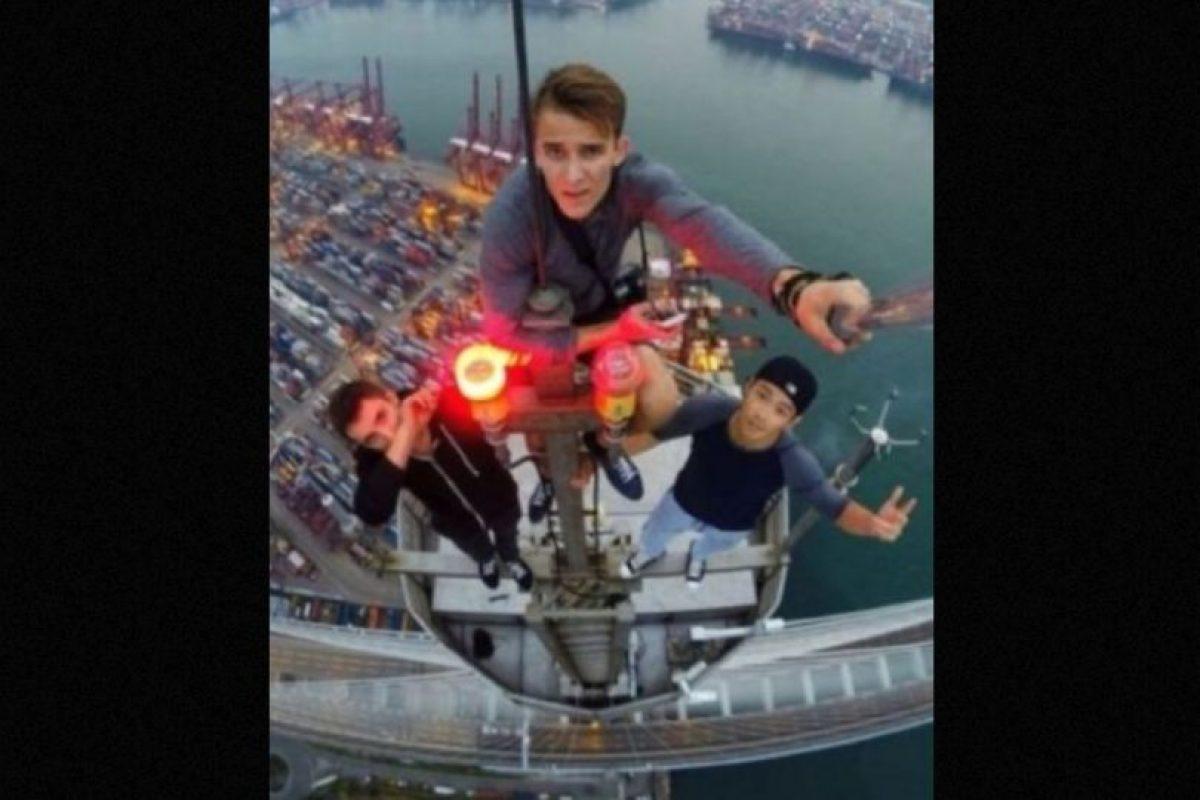 Distintos jóvenes se han hecho famosos gracias sus intrépidas hazañas para trepar edificios muy altos. Foto: instagram.com/daniel__lau. Imagen Por: