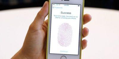 FBI desbloquea iPhone de terrorista en San Bernardino