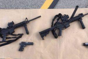 Autoridades encontraron un gran armamento en manos de la pareja. Foto:Getty Images. Imagen Por: