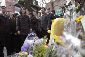 Así recuerdan a la pequeña Liu, quien fue decapitada frente a su madre Foto:AP. Imagen Por: