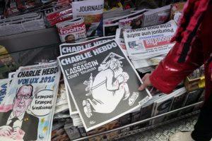 """""""Charlie Hebdo"""" y algunas de sus polémicas portadas. Imagen Por:"""