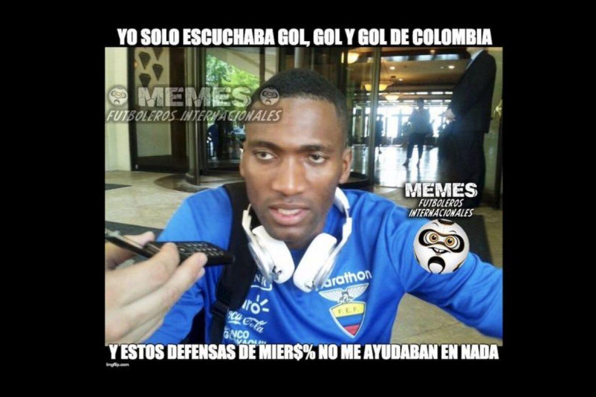 Y las principales críticas se las llevó la defensa ecuatoriana. Foto:Vía facebook.com/Memes-Futboleros-Internacionales-785576564852677. Imagen Por: