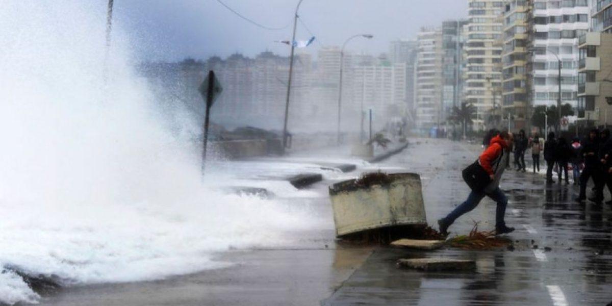 Armada alerta fuertes marejadas para esta semana en las costas chilenas