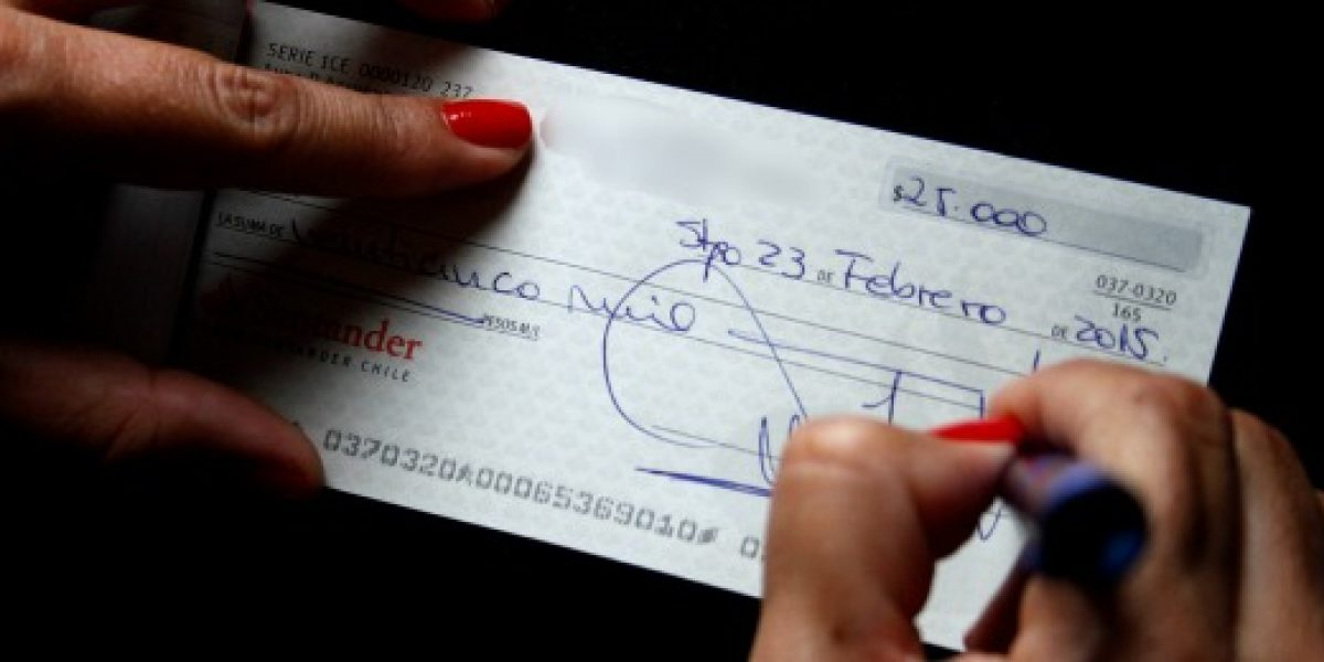 Operación Renta: quedan más de 100 mil cheques por cobrar