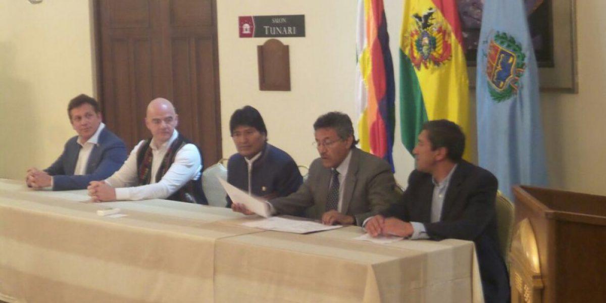 Evo Morales recibió a Infantino como el salvador de la crisis del fútbol boliviano
