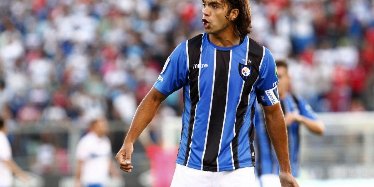 Miguel Ponce sufre con las lesiones e insiste en jugar con tres defensas frente a Colo Colo