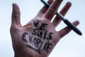 El hashtag #JeSuisCharlie fue utilizado en redes sociales. Foto:Getty Images. Imagen Por:
