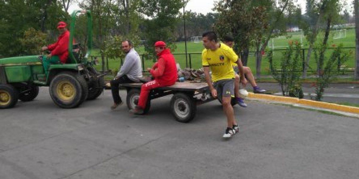 La humorada de Fierro y el nuevo look de Valdés marcan el buen ambiente en Colo Colo