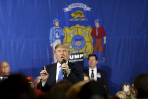 Su competencia directa en el Partido Republicano es el precandidato Ted Cruz. Foto:AP. Imagen Por: