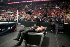 Una de las peleas más atractivas es la que sostendrán Shane McMahon y Undertajer Foto:WWE. Imagen Por: